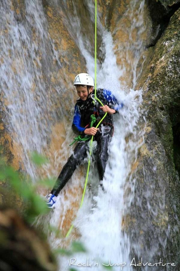 canyoning aventure rafting randonnée aquatique pays de gex geneve lausanne nyon jura st claude bugey famille enfants