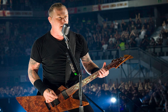 James Hetfield, voz de Metallica, n' vivo