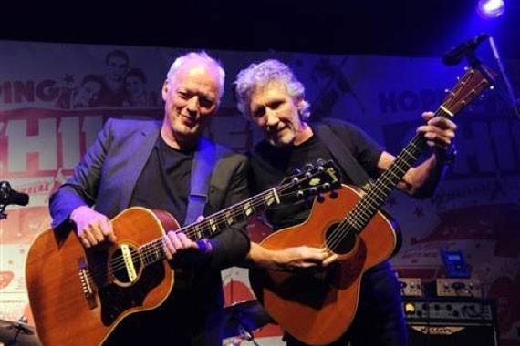 Roger Waters y David Gilmour juntos en el escenario