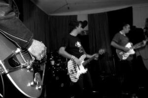 Zadnji koncert Bitch Boys-iv v Menzi pri koritu na Metelkovi, 7.8.2006
