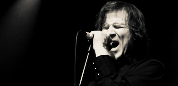 V sodelovanju z organizatorjem vam v nagradni igri poklanjamo 5 x 1 vstopnico za koncert Mark Lanegan Band, ki bo 25.11.2012 v Kinu Šiška.