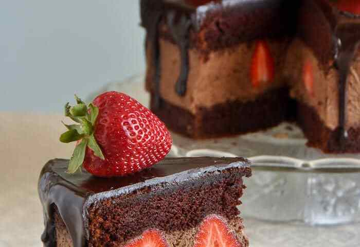 Chocolate Whipped Cream Cake With Strawberries Impressive But Easy