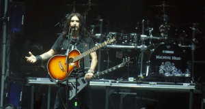 Robb Flynn of Machine Head on stage at Wembley Arena about to play Darkness Within