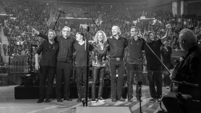 Metallica S&M 2 Band and Conductors Photo - Brett Murray