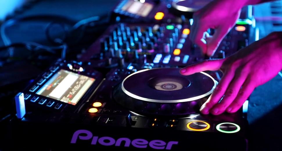 Rockstar Entertainment Montreal |Pioneer setup