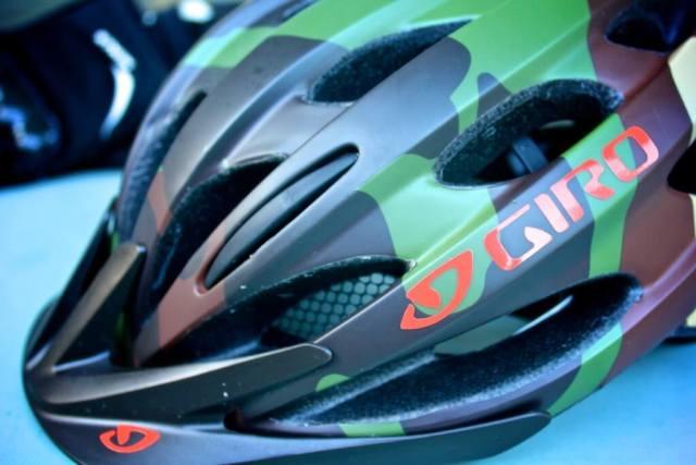 Giro Helm, Protektoren - rockster.tv das Leben eines WebRockers, der Mountainbike fährt!