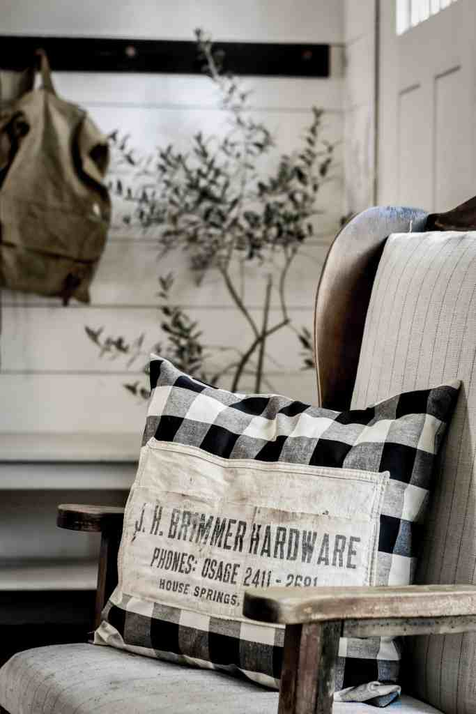 How to Make a Vintage Hardware Nail Apron Pillow Cover