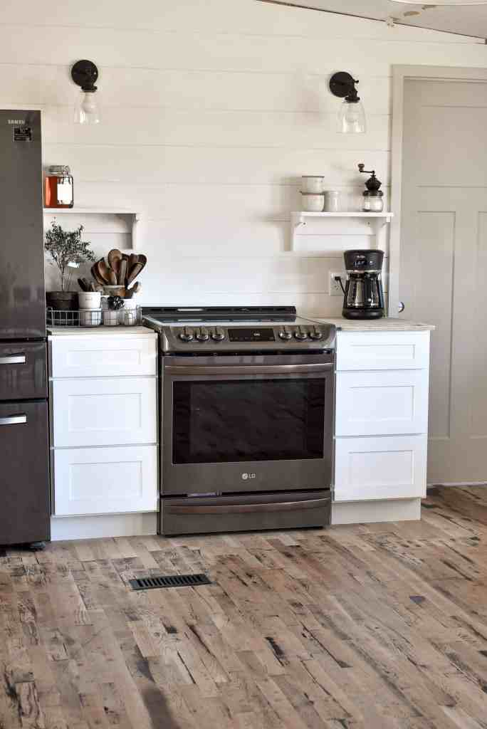Farmhouse kitchen Mobile Home Style