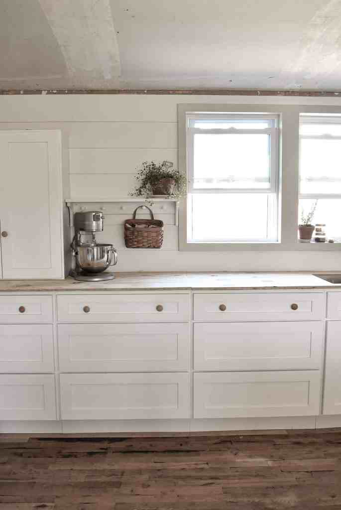 White Shaker Style Farmhouse Kitchen Remodel