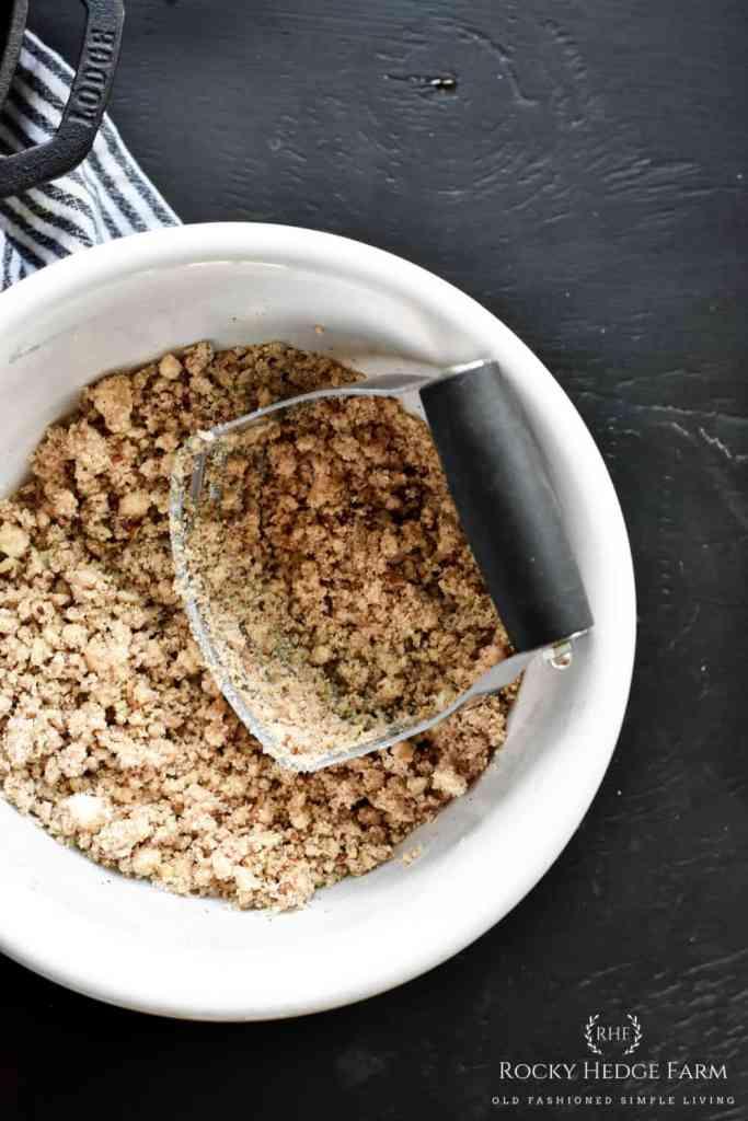How to Make A Keto Crumble Crust