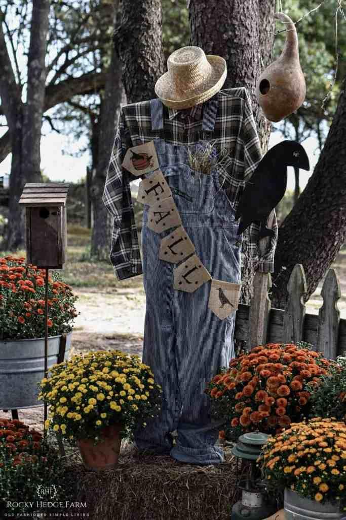 Country Farmhouse Scarecrow