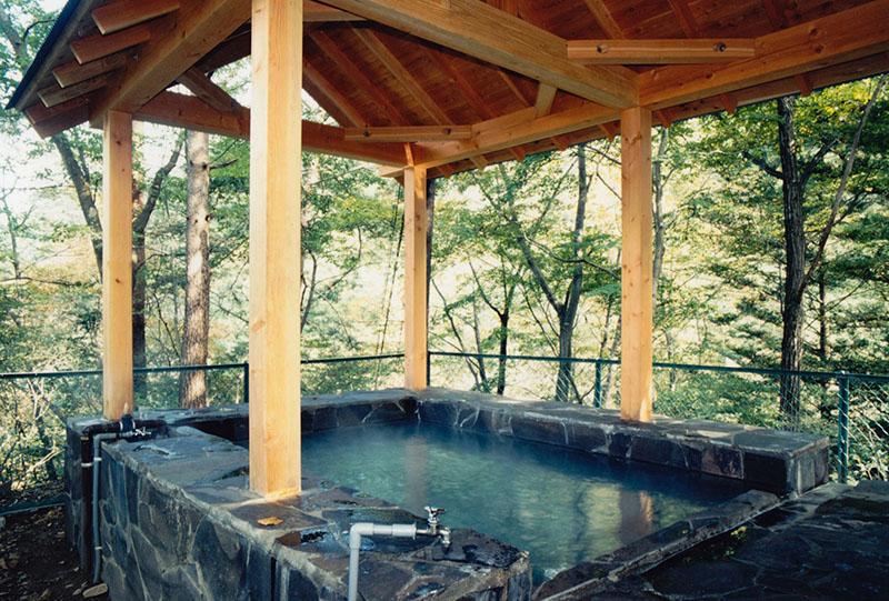 旧川原湯温泉聖天様露天風呂