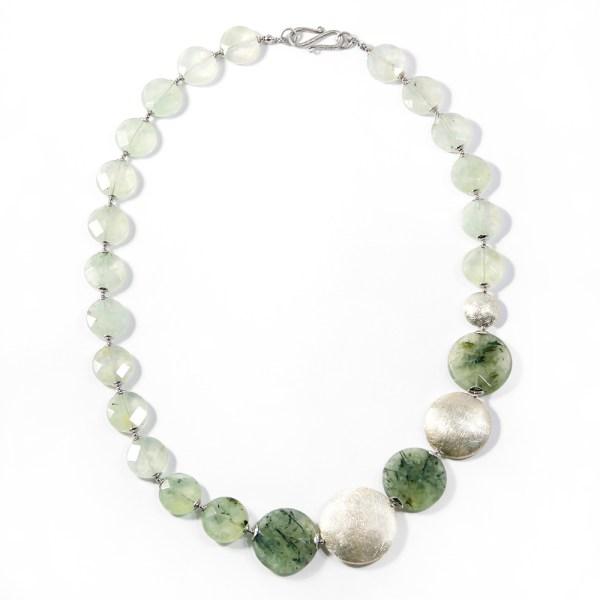 collana-fatta-a-mano-in-argento-prenite-verde-erica