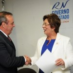 Governo_empossa_sec_da_Sejuc_Krcio_Silva_e_entrega_coletes_para_agentes_penitencirios_-_Elisa_Elsie_7