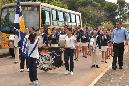 Preparao_da_Escola_Estadual_Judith_Bezerra_para_o_desfile_-_Mrlio_Forte