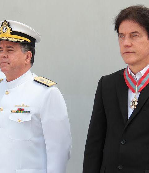1A_GOVERNADOR_RECEBE_MEDALHA_ORDEM_DO_MRITO_NAVAL_DA_MARINHA_DO_BRASIL