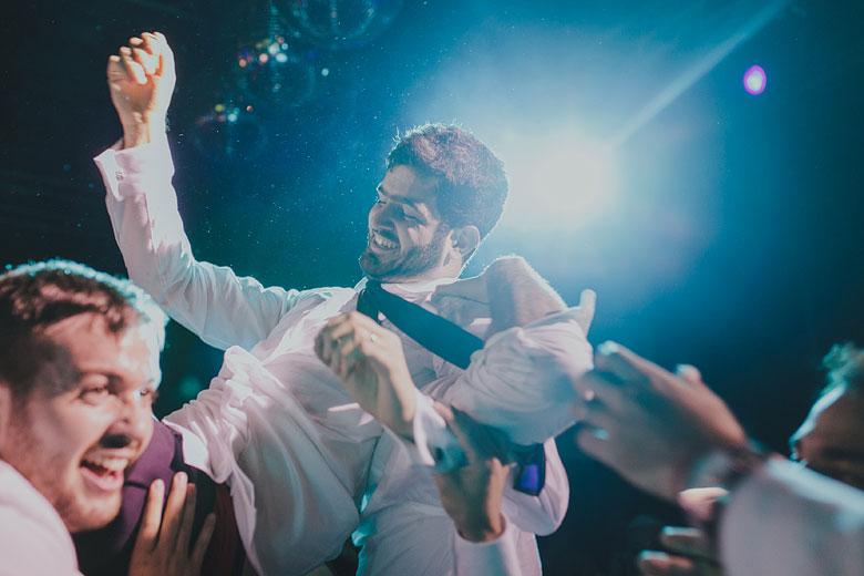 fiesta de casamiento divertida