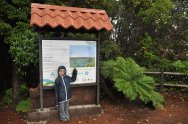 Oliwia tuz przy jeziorze Botos w Parku Narodowym Wulkanu Poas