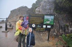Tuz przy kraterze wulkanu Poas