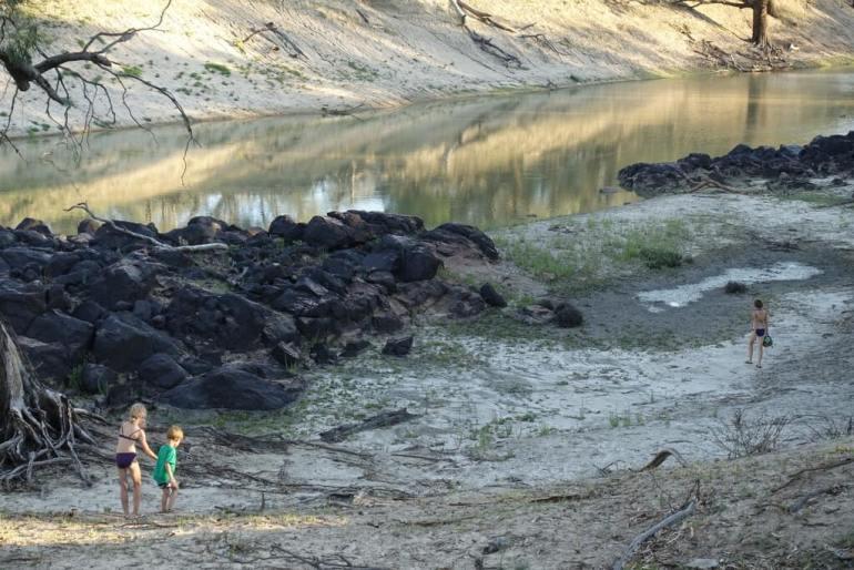 Kąpiel w rzece Darling
