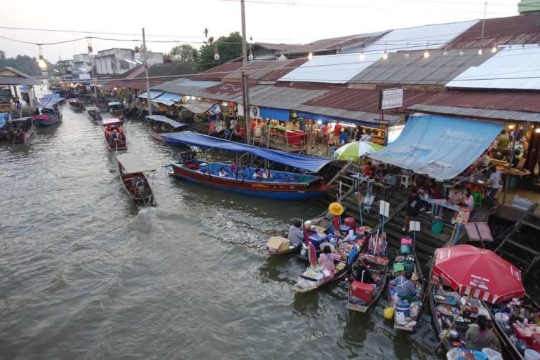 Amphawa - pływający targ