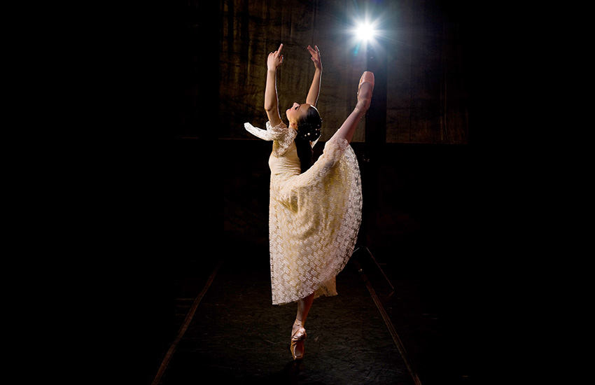 Laura Bösenberg as Juliet in Romeo and Juliet, foto deur Greg Lumley