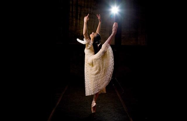 Laura Bösenberg as Juliet in Romeo and Juliet, foto deur Greg Lumley