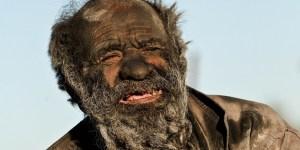 Eyefood-man-heeft-zich-60-jaar-niet-gewassen-7-900x450