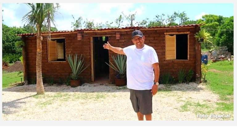 First House Entirely Made of Sargassum Built by Mexican Inventor in Quintana Roo Mexico