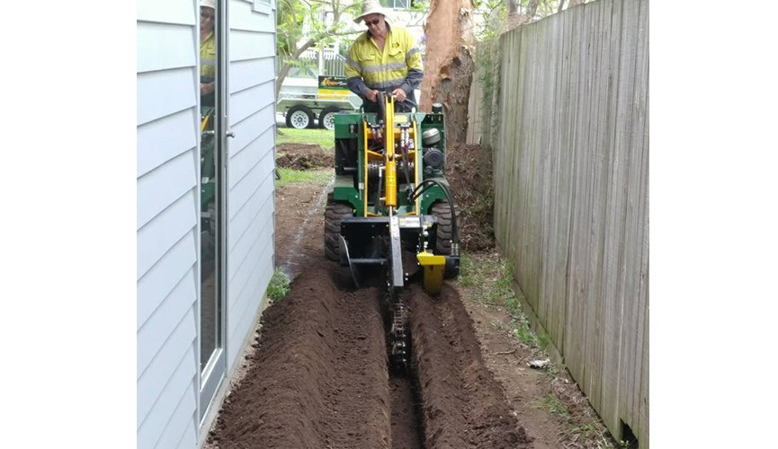 Kanga Mini Loader - Rogers Little Loaders Dry and Wet Hire Brisbane