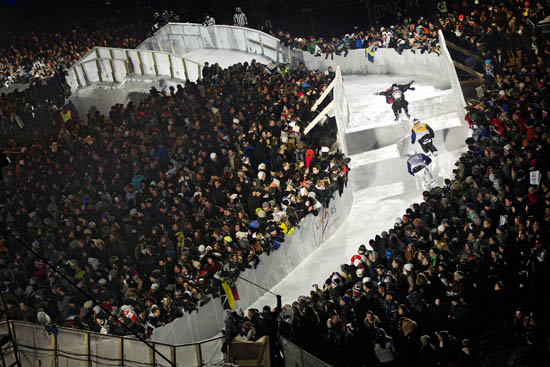 Rogue Mag snow - Red Bull Crashed Ice hits Netherlands for second stop in Valkenburg