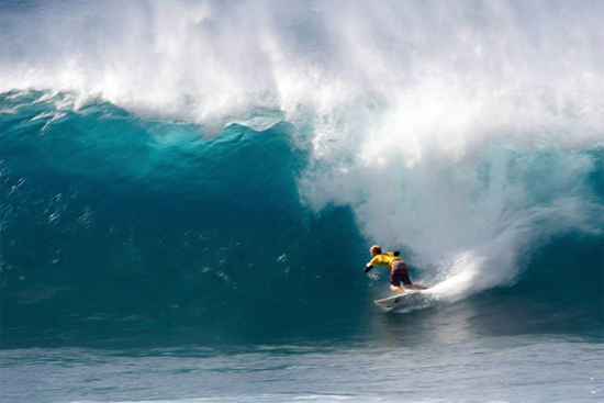Rogue Mag Surf - Florence Victorious at Volcom Pipe Pro, Overturns O'Brien in Final Seconds