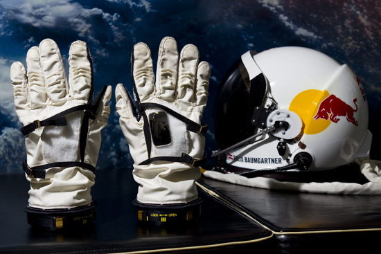 Rogue Mag - Red Bull Stratos Project - Gloves and helmet - Development