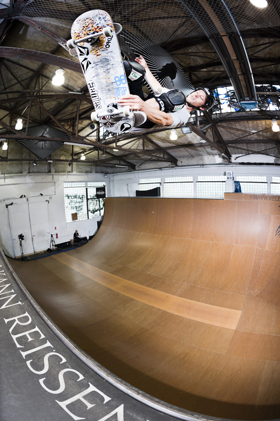 Rogue Mag Skate - Relentless Energy pro tips - The fakie ollie with Yuergan Horrwarth