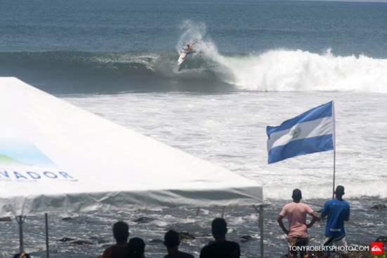 Rogue Mag Surf - Copa Quiksilver El Salvador completes opening rounds in clean conditions