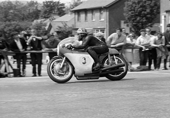 Iconic 1967 Senior TT Race to be recreated as part of 2013 Classic TT meeting