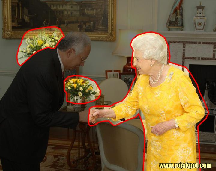 Queen Elizabeth wearing yellow while meeting Najib during Bersih 2.0