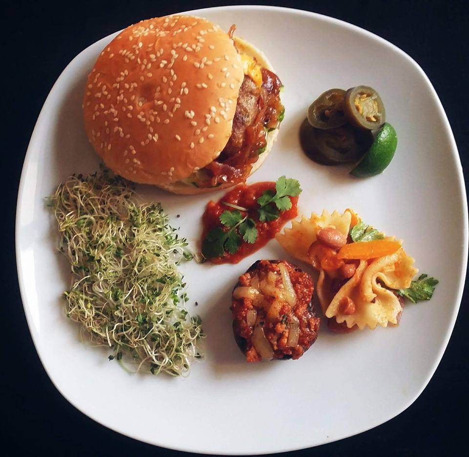 Mexican Chili Burgers with Grilled Portobello Mushrooms, Pasta Salad and Salsa