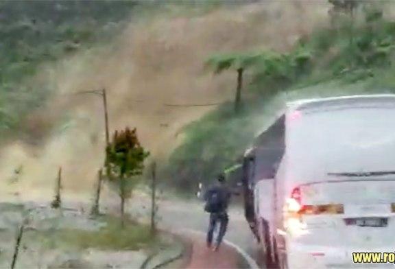 Dramatic Escape From Major Genting Highlands Landslide!