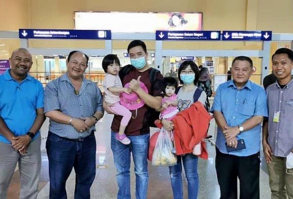 1st Wuhan Coronavirus Survivor In Malaysia Flies Home!