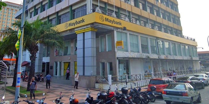 Maybank Melaka Main : Closed After COVID-19 Exposure!