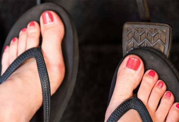 Can You Wear Slippers / Sandals While Driving In Malaysia?