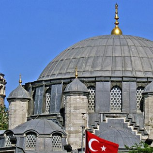 Azapkapi džamija u Istanbulu, posvećena velikom veziru, delo Kodže Mimara Sinana