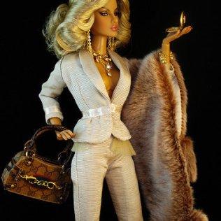 Barbi u Gucci modelu