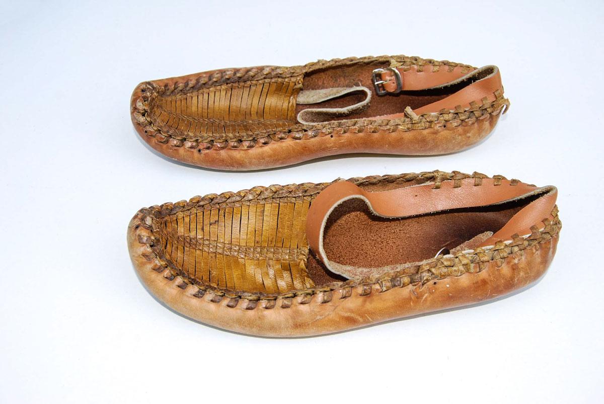 Kratka istorija cipela u nas: Dajte jedne opanke za Pepeljugu! (VIDEO)