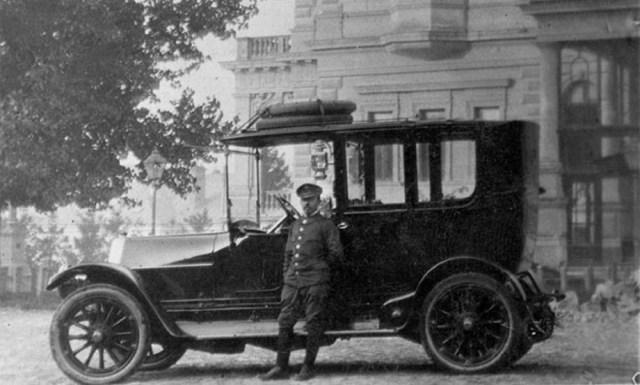 """Prvi automobil na ulicama Beograda: Bila jednom jedna """"aždaja koja bljuje vatru""""!"""