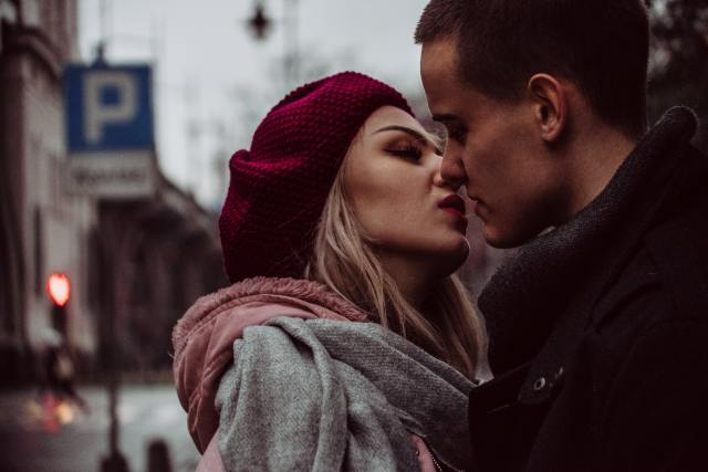 Najpoznatiji filmski poljupci: Ostaviće vas bez daha! (VIDEO)