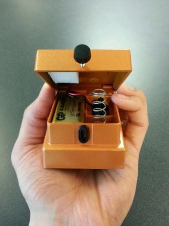 BOSS Stompbox battery access