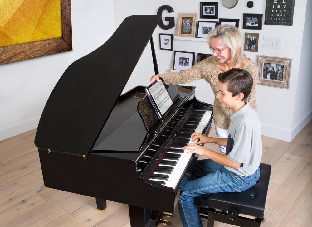 Digital sheet music on the Roland Piano Partner 2 app.