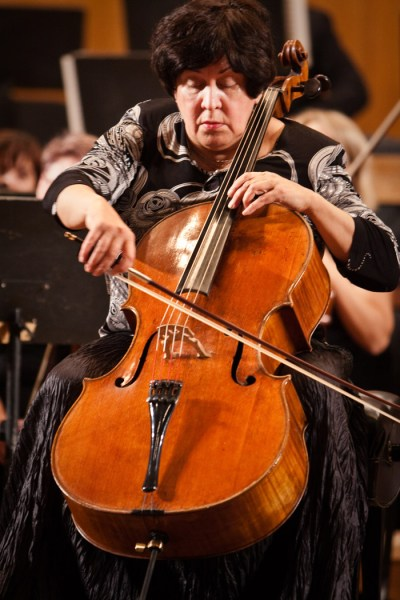Natalia Gutman (source: Armenian Philharmonic Orchestra / apo.am)